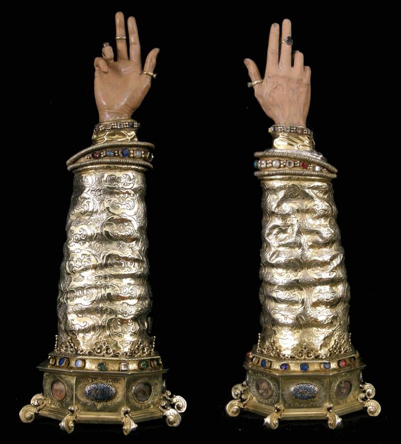 Brazos de San Ramón, izquierda, y San Valero, derecha. Siglo XVII. Museo Diocesano de Barbastro-Monzón
