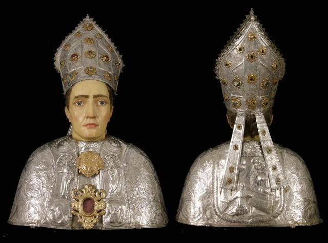 Busto de san Carlos Borromeo, anverso y reverso. Museo Diocesano de Barbastro-Monzón