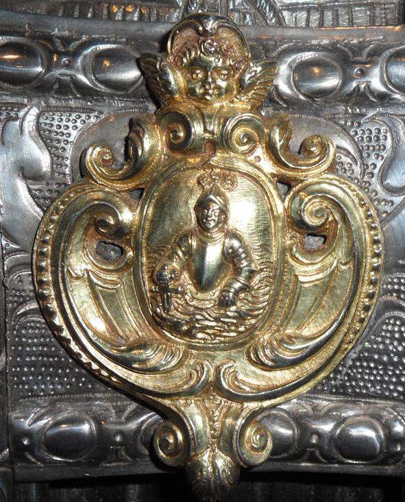 Escudo del Canónigo Jaime de Arroyos en los bustos de San Ramón y san Valero. Museo Diocesano de Barbastro-Monzón