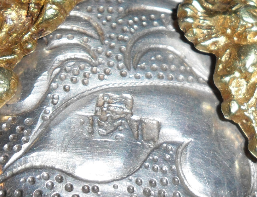 """Punzón de platero """"REAL"""" en el Busto de San Ramón. Museo Diocesano de Barbastro-Monzón"""