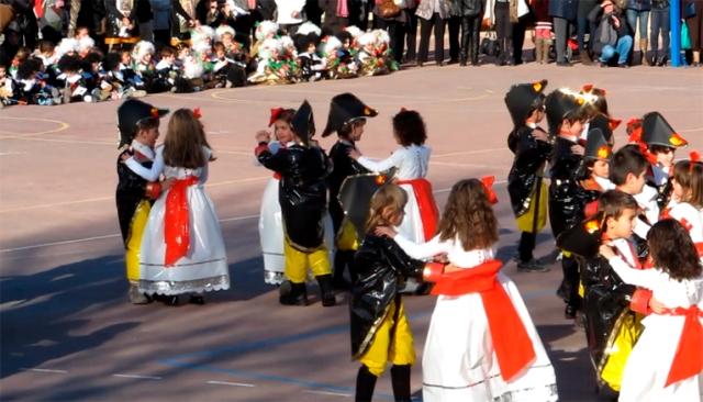 Felix de Azara y Cayetana de Alba.  Carnaval del CP La Merced, 2012