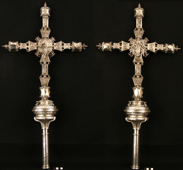 Cruz Procesional de Puy de Cinca. Plata en su color, cincelada, fundida y grabada. Siglo XVII, taller de Barbastro. Museo Diocesano de Barbastro-Monzón
