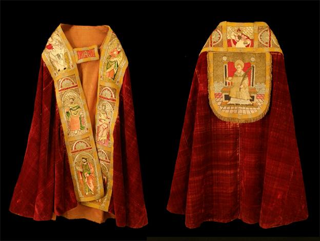 Capa Pluvial Puy de Cinca, siglo XVI. Terciopelo y bordado en seda y oro. Museo Diocesano de Barbastro-Monzón